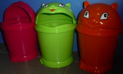 Декоративные контейнеры для сбора мусора